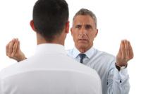 Konflikt mit Mitarbeiter provozieren